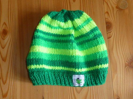 Gr.ca. 55, Farbe: grün, hellgrün, neongelb, 70% Schurwolle, 29 € + Versandkosten