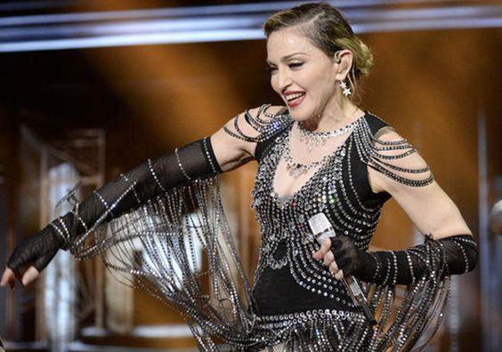 Madonna deja el concierto a medias en Manchester