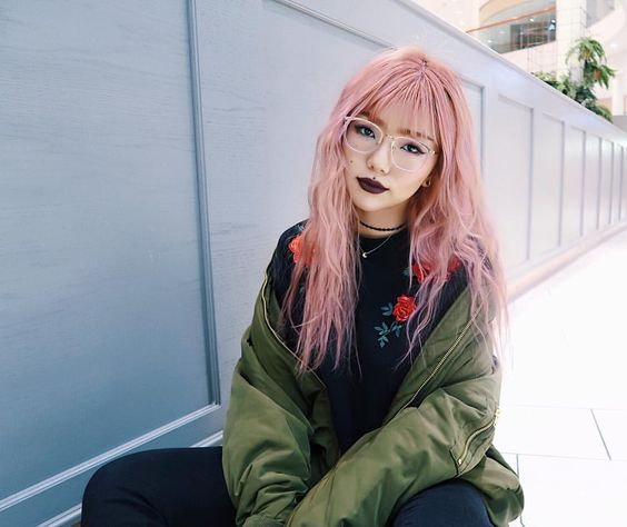 ผมสีชมพู