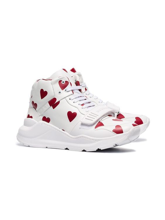 trompeta cortar Ya que  41 Platform Shoes To Look Cool And Fashionable #nike #jordan #airjordan  #sneakers | Trending womens shoes, Leather shoes woman, Womens shoes wedges