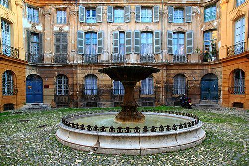 France, Bouches-du-Rhône, Aix-en-Provence, Place d'Albertas: