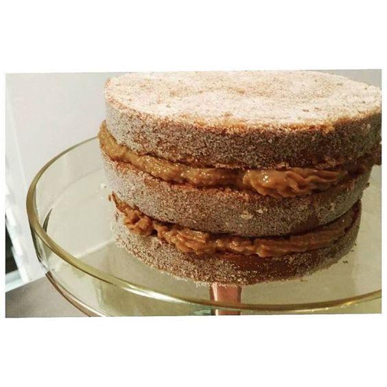 Bolo Churros do final de semana após algumas adaptações e modificações da receita original!!! Ainda nao ficou do jeito que gostaria... Quem sabe na próxima vez! #bolochurros #churros #bolo #cake #cinnamon #sugar #docedeleite #caramelo #dessert #ickfd #confeitaria #gastronomia #receita #doce #australia #delicious by cadernodetendencias http://ift.tt/1slr53k