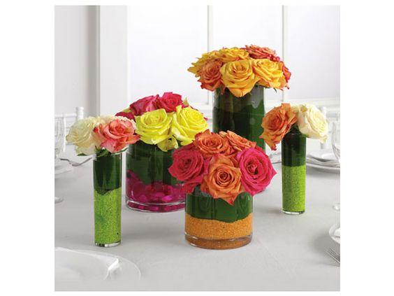 arreglo de flores colorido centro de mesa para boda