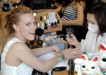 Hillary Duff knows there is nothing better than getting your paws polished.