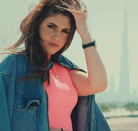 Pin On اليوتيوبر البنات العرب