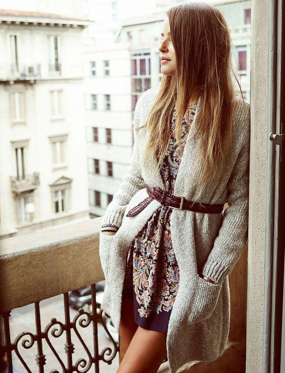 On ne se lasse pas du ceinturage de gilet sur une petite robe estivale (look Zara)