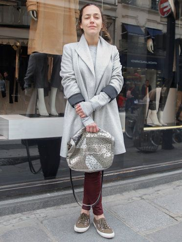 【ELLE】「ザラ」のコートが主役のストリートスタイル|エル・オンライン