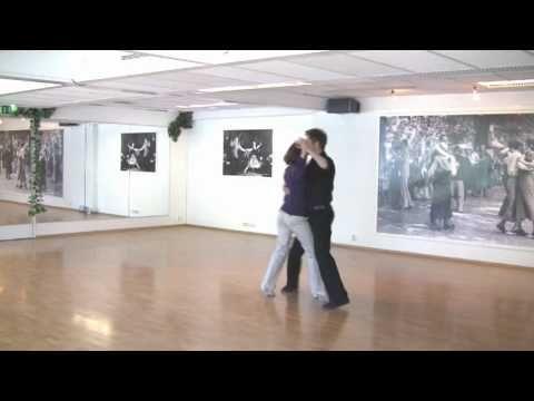 Kävelyhumppa 06.06.10 - YouTube