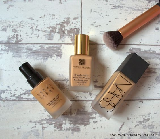 Best Foundations For Oily/ Combination Skin ft Nars All Day Weightless Luminous Foundation, Bobbi Brown Long-Wear Even Finish Foundation, Estee Lauder Double Wear Stay-In Place Foundation by Aspiring Londoner Blog: