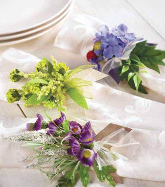 Dress up the dinner table! Make your own paper napkin rings #joannhandmade