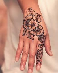 Resultado de imagen para tatuajes unicos y originales para mujeres