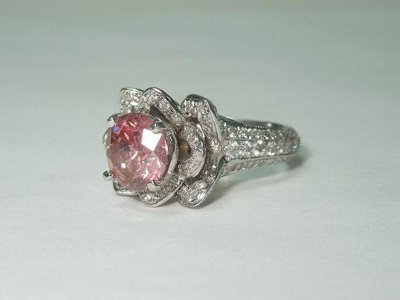 Sparkling 3.51 carat pink & white round diamonds engagement ring white gold 14K