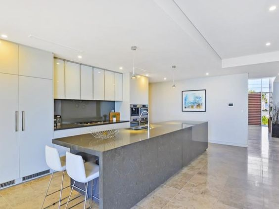 Narrabeen, NSW Sales Agent - Harry Zhou Asian-Pacific Property Group - Burwood 02 9744 7777 11/6/14