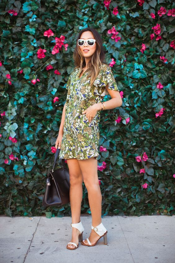 Minusey Pineapple linen dress, Seneca Eyewear sunglasses, Celine mirrored heels, Celine Edge bag