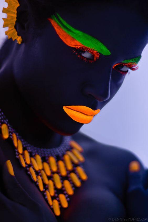 Glowing Neon Face Photography Neón, Colores y Tendencias