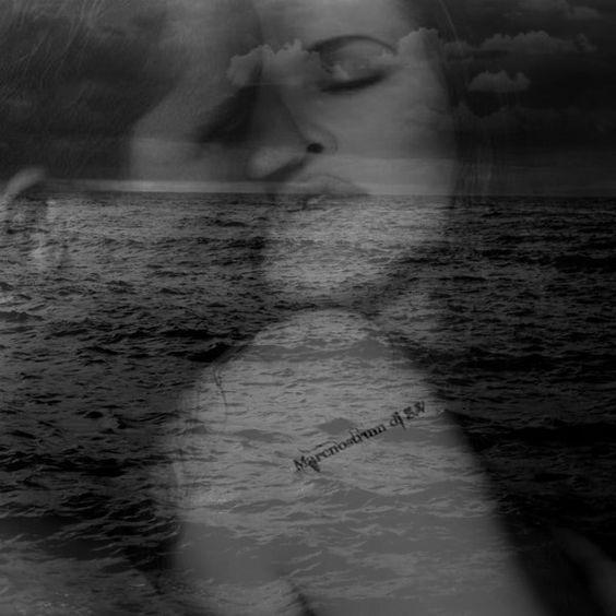 M'immergo nei tuoi occhi e ne rimango intrappolato,  sono sabbie mobili che ingoiano le mie emozioni,  la cui inerzia imprigiona i miei sensi e  rapisce la mia anima. Claudio Visconti De Padua