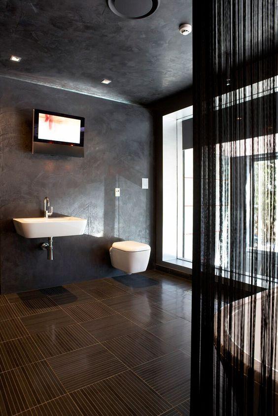 Reece bathroom life venetian plaster plaster for Bathroom designs reece