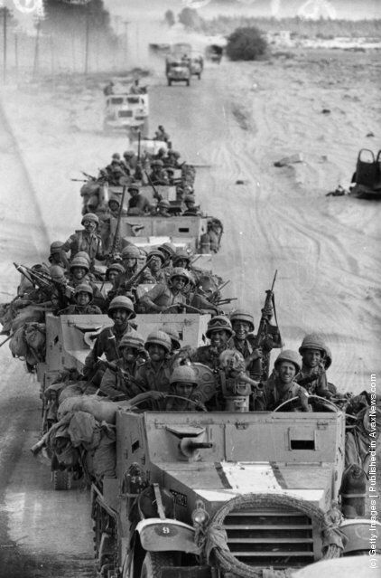 A victorious Israeli convoy in Egypt during the Six-Day War. (Photo by Terry Fincher/Express/Getty Images). 8th June 1967