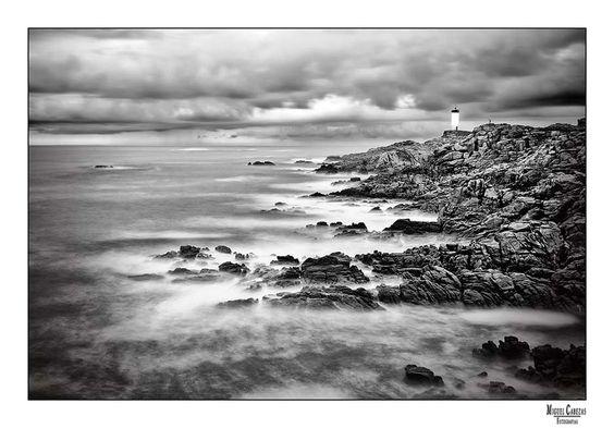 Faro Roncudo by Miguel  Cabezas, via 500px