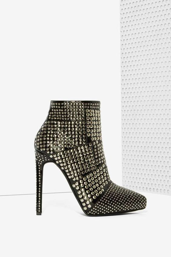 Jeffrey Campbell Gauntlet Patent Leather Booties//