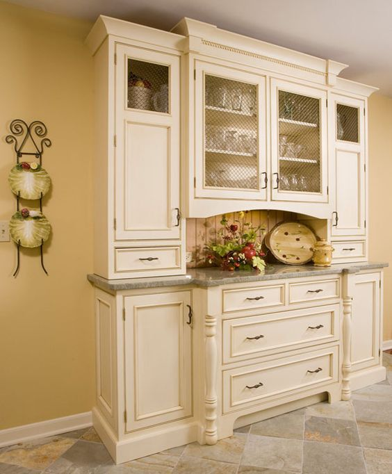Pinterest the world s catalog of ideas for Built in dining room cabinet designs