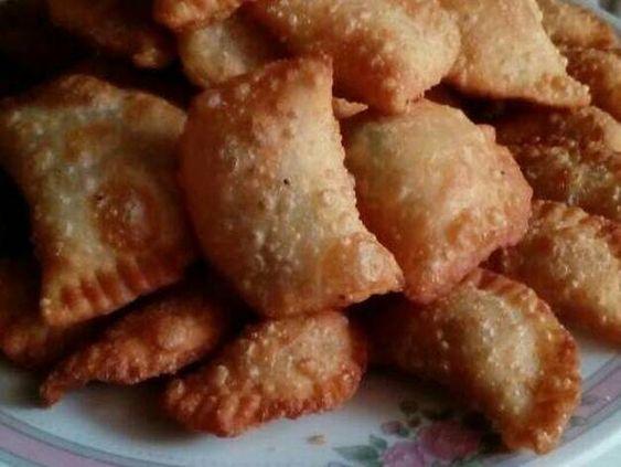 سمبوسك مقلي مقرمش بالصور من Rose Flower Recipe Food Snack Recipes Snacks