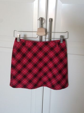 Mini-jupe écossaise rouge framboise Trafaluc  15,00 € skirt miniskirt red femme women