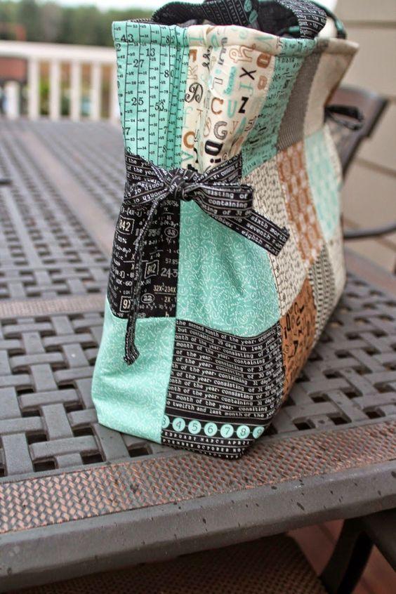 Charm Pack Bag - Tutorial   Girls in the Garden   Bloglovin'