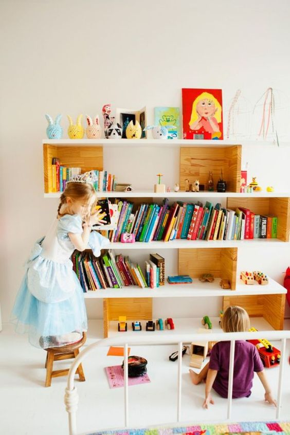 bookshelves in kid's room
