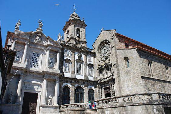 Porto - Igreja de São Francisco - Fachada principal - with a serve Gothic facade hiding a jaw-dropping interior