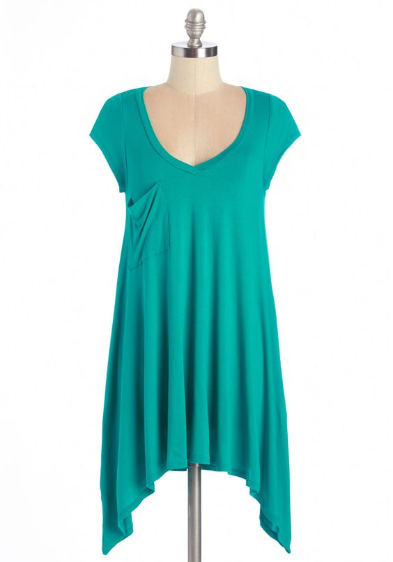 A Crush on Casual Top in Teal. If laid-back looks make you bat your lashes, then this teal T-shirt will send your heart aflutter! #blue #modcloth