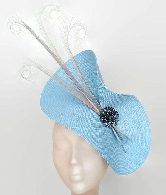 Tocado azul y gris, tocado en azul claro, tocado invitada perfecta, tocados para bodas, accesorios de boda, tocados con plumas,Adornos pelo. Kentucky derby attire
