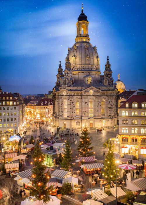 Weihnachtsmarkt in Dresden, Germany