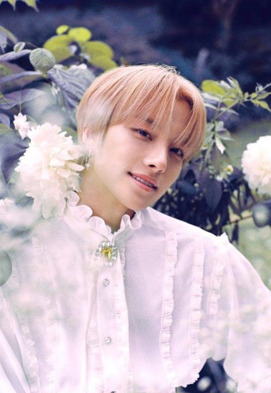 Https Kprofiles Com Wp Content Uploads 2019 09 Choiin 1 553x800 Jpg In 2020 Flower Girl Dresses Photo Last Day He was a competitor on produce x 101. pinterest