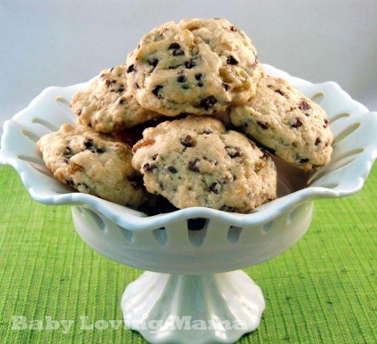 Chocolate Chip & Raisin Scones - These taste sooooo good! #breakfast #scone #chocolate