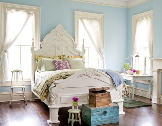This room is so pretty!  When did my style change from modern to this look?