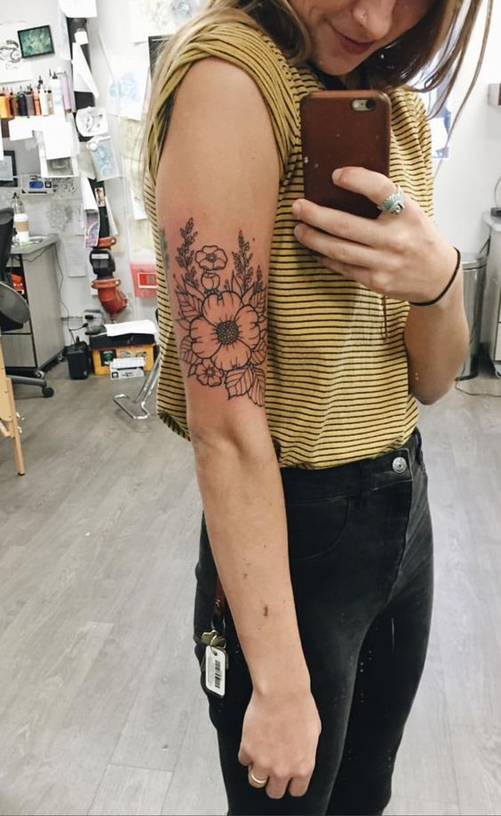 How To Choose A Tattoo Artist In 2020 With Images Floral Tattoo Unique Tattoos Tattoos