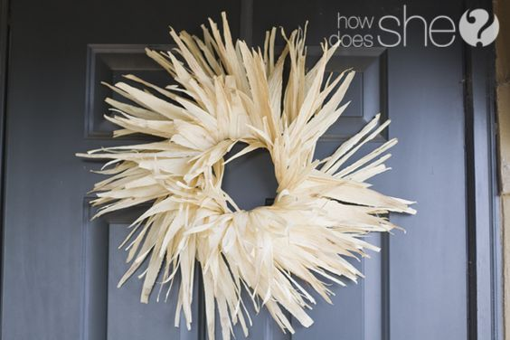 Need to make this cornhusk wreath next fall