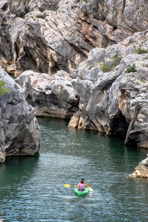 https://flic.kr/p/oNVwZb | Kayak in Montpellier - France | Kayak in the Hérault River in southern France. Its length is 148 kilometres (92 mi). Its source is on the slopes of Mont Aigoual in the Cévennes mountains. It reaches the Mediterranean Sea near Agde.
