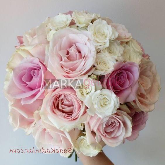 2019 Gelin Buketi Modelleri Beyaz Pembe Karisik Gul Bride S Marka Gelinlik Gelin Buketi Buket Guller
