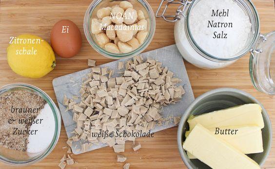 """""""Chewy"""" und soft: Die absolut besten Macadamia Cookies mit weißer Schokolade, Vanille und Zitronenschale - Zutatenliste  #backen #cookies #macadamia #schokolade #kekse #foodfotography"""