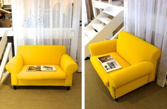 Geel! Overtrokken zetel in een flashy kleur als accent in uw interieur. check ons op burigatdecoratie.be