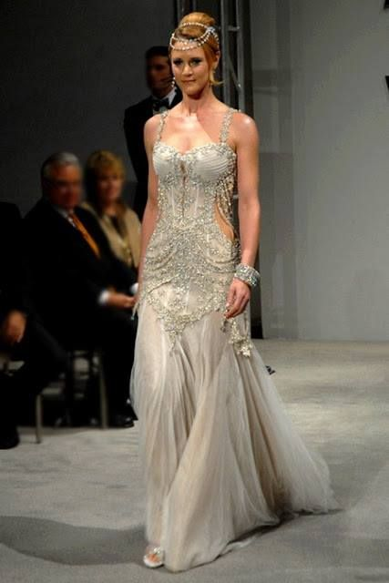 Beautiful and luxurious wedding dress.