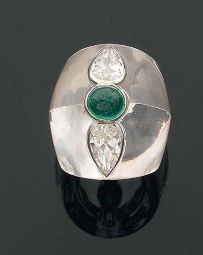 Bague, cristal de roche, émeraude, diamants, Suzanne Belperron, c. 1930