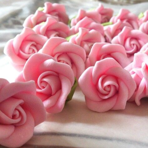 Pink Roses for wedding cupcakes