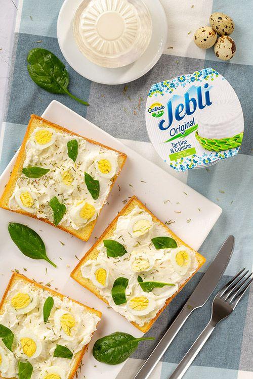 خبز محمص مع زيت الزيتون و الزعتر Jebli Food Bread Matzo