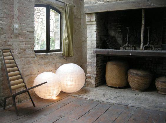PAPER FLOOR LAMP SCULPTURES LUMINEUSES COLLECTION BY SÉRIES LIMITÉES   DESIGN BÉATRICE DESROUSSEAUX