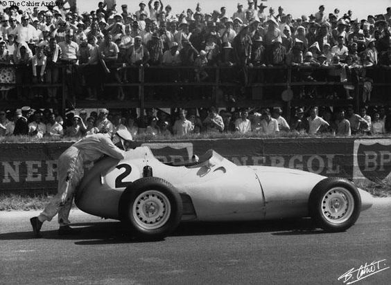 #2 Stirling Moss (GB) - BRM P25 (BRM 4) disqualified push start after spin (4) British Racing Partnership