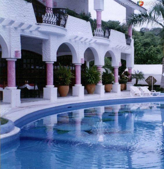 Fotos de Bahías de Huatulco, Oaxaca, México: Hotel Mexicana. Huatulco, Oaxaca. 2004