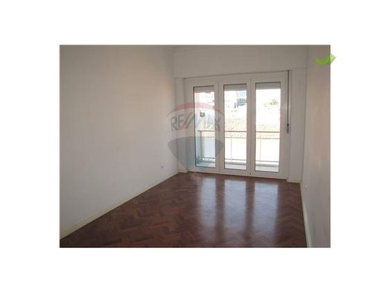 ***MESSAGE SENT Apartment 3 Bedrooms To rent 840€ in Lisboa, Campo de Ourique - Casa Sapo - Portugal´s Real Estate Portal